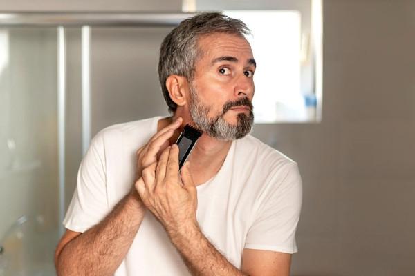 porque salen calvas en la barba