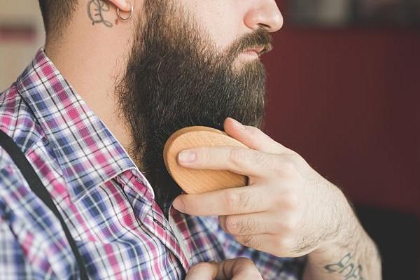 Cómo usar correctamente un cepillo para barba